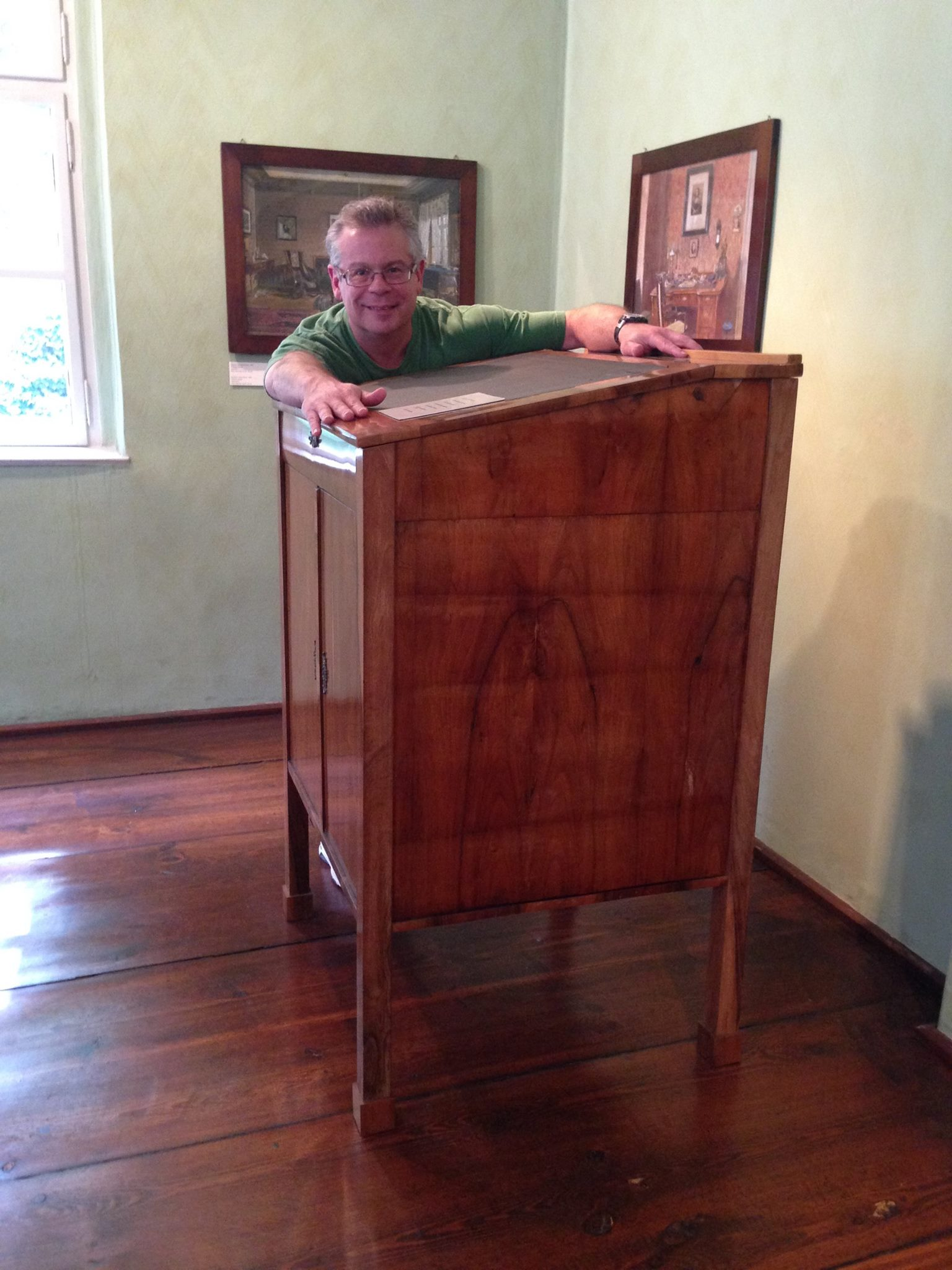 Brahms Standing Desk