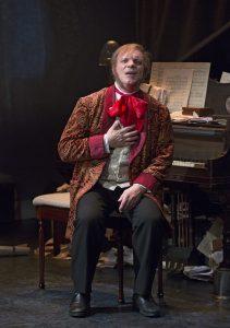 Eddie Korbich as Wagner © Carol Rosegg