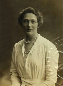 Linda Lee Thomas in 1919