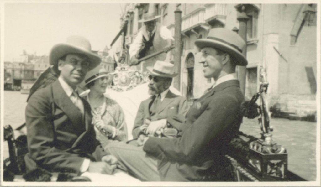 Cole Porter, Linda Lee Thomas, Bernard Berenson and Howard Sturgis in Venice, 1923