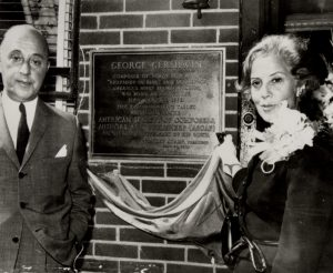Gershwin's brother Arthur and sister Frances unveil a plaque