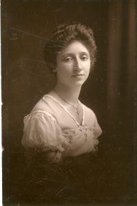 Bessie Hurwitz in 1916