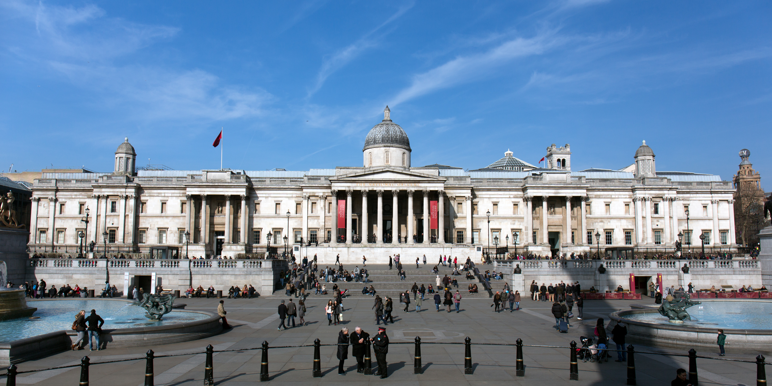 London's National Gallery as seen from Trafalgar Square