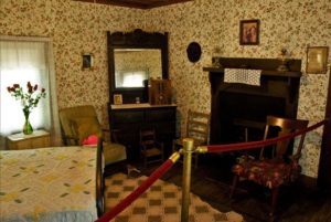 The bedroom in which Presley was born