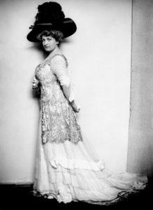 Alma Marie Schindler Mahler Gropius Werfel in 1909