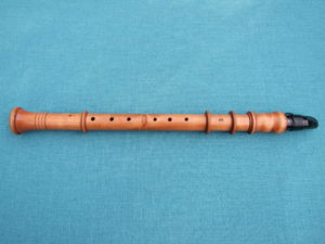 A chalumeau affixed with a modern clarinet mouthpiece